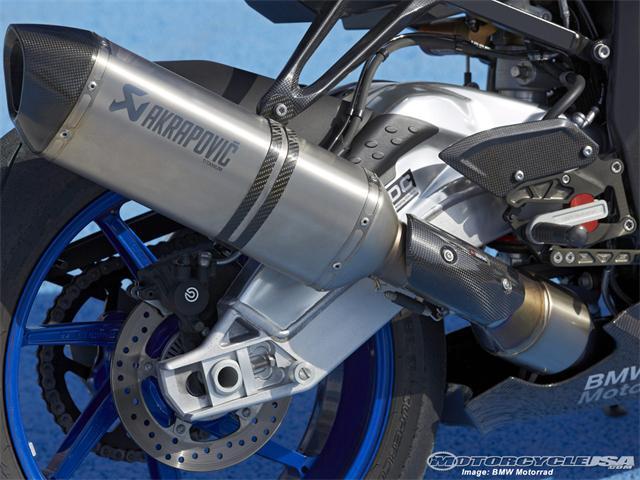 13-bmw-hp4-s1000rr-18.jpg