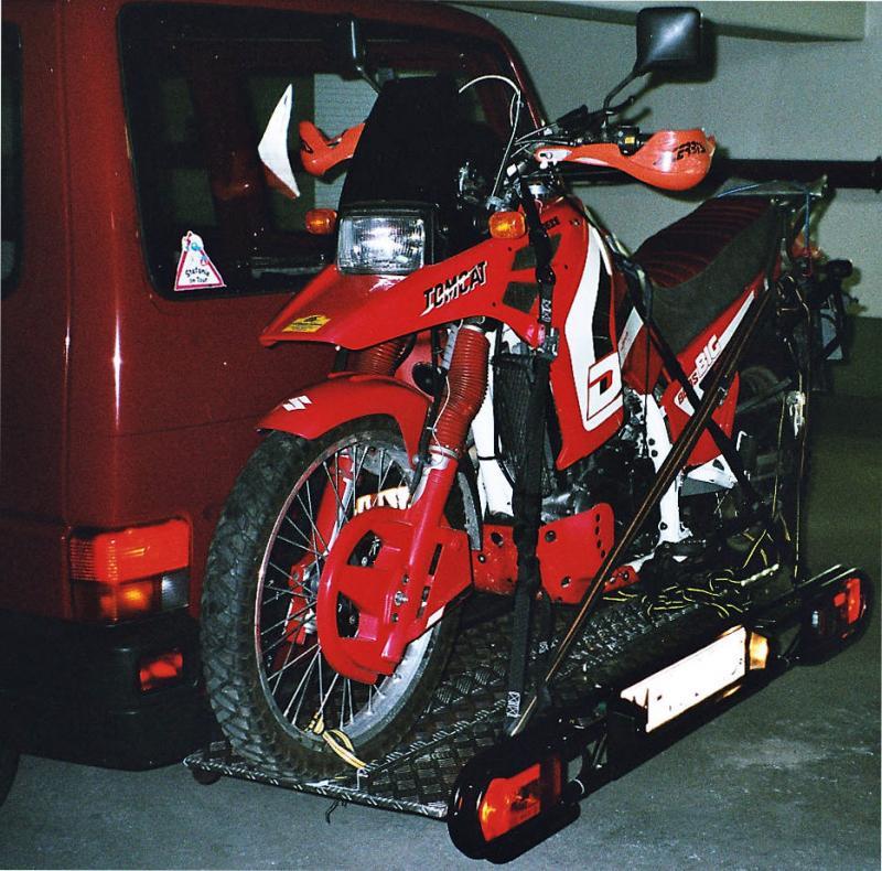13632d1237405349-welche-spanngurte-moped-hecktraeger2.jpg