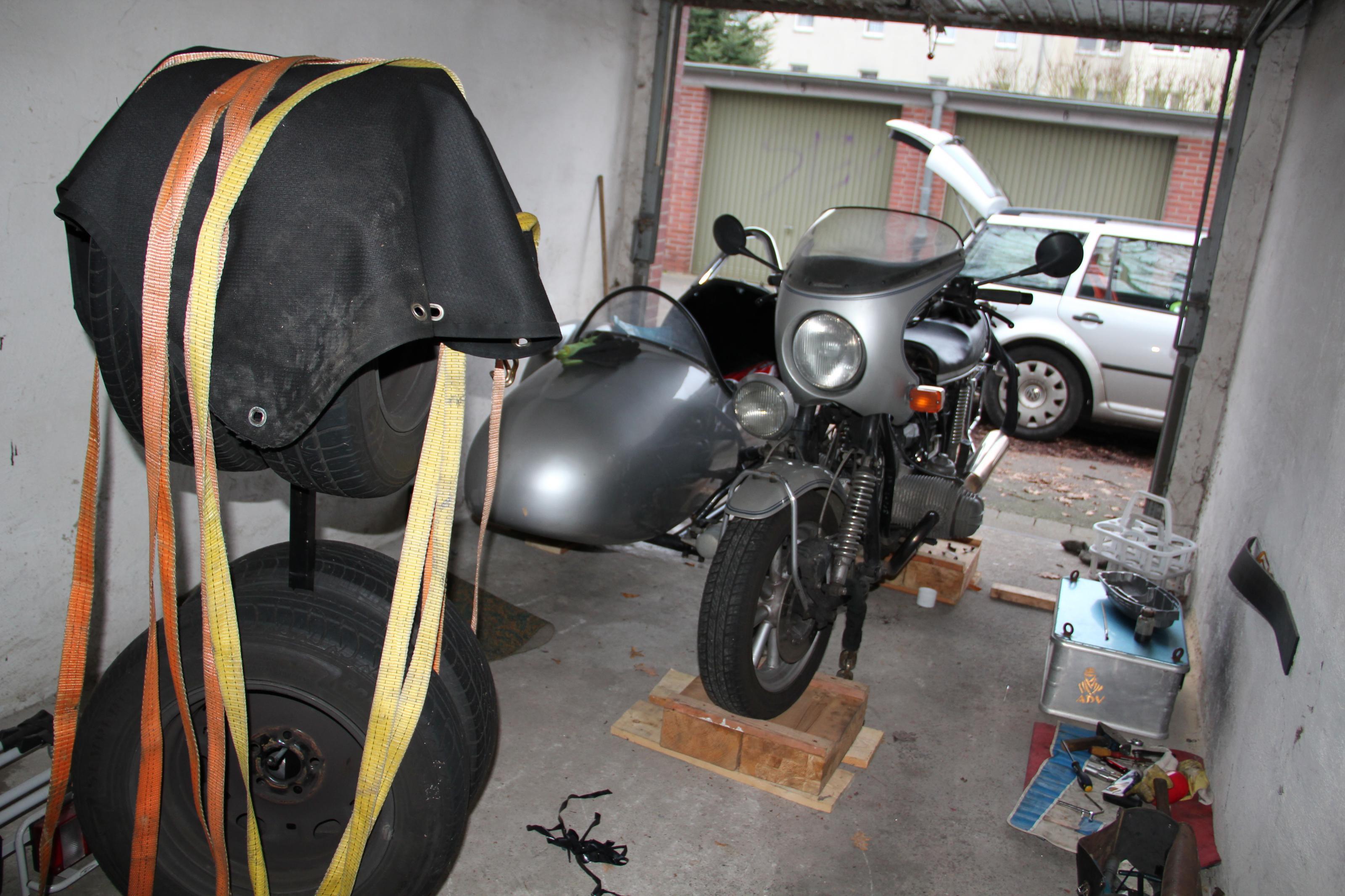 15-01-19_0003_garage_r100_gespann.jpg