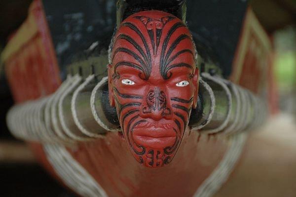 1561087-maori-moka-face-tattoo-0.jpg
