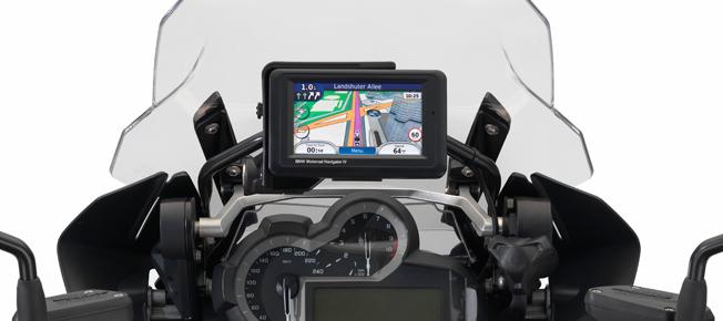 16_bmw-motorrad-navigator-iv.jpg