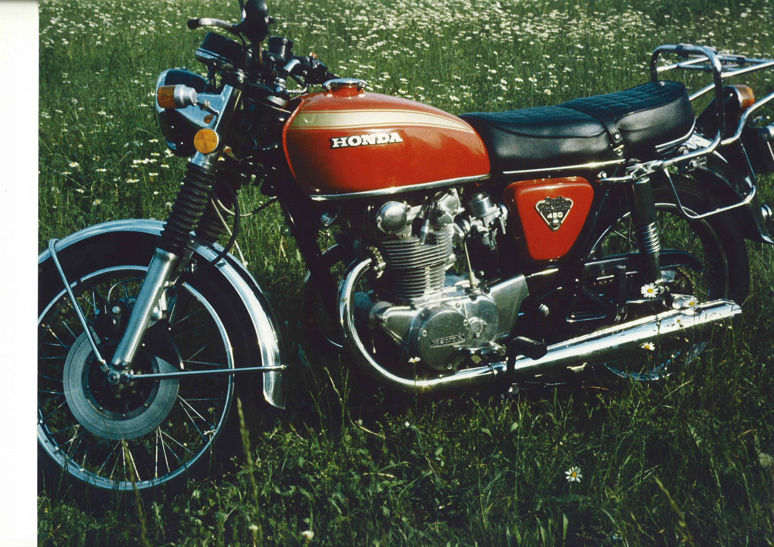 Klicke auf die Grafik f�r eine gr��ere Ansicht  Name:1974-Honda CB 450.jpg Hits:399 Gr��e:932,6 KB ID:135853