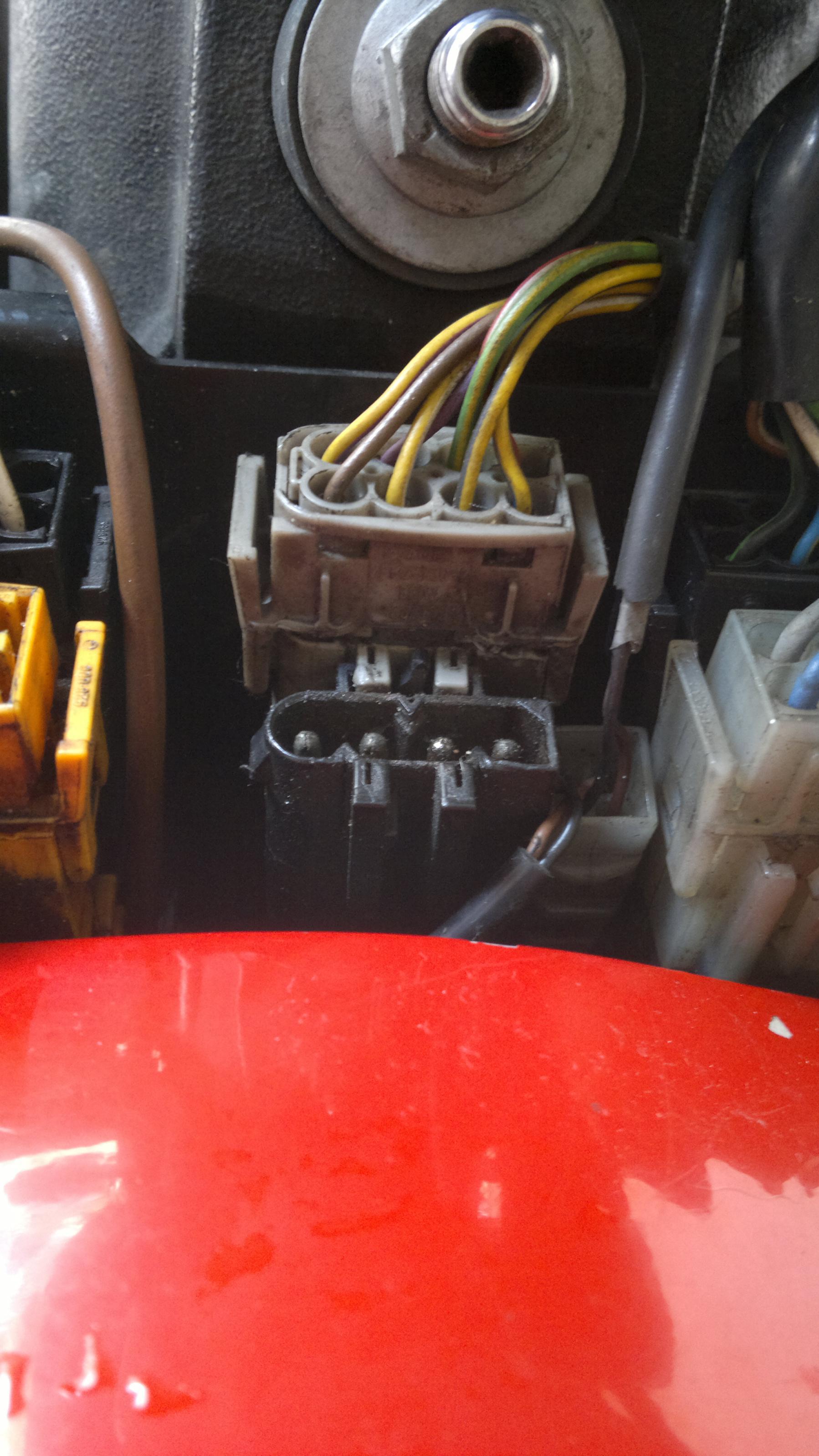 BMW M8 2015 >> R 1100 GS Anleitung: Bordsteckdose an DWA Stecker anschließen