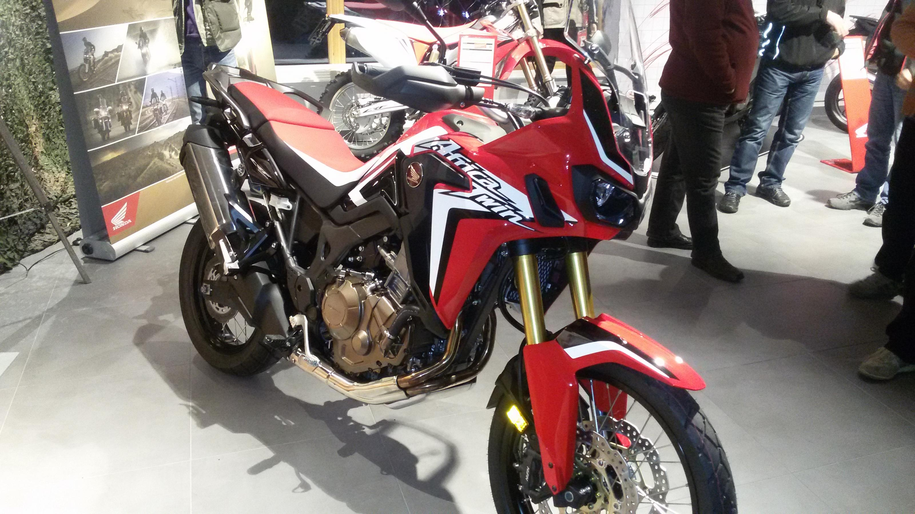 africa twin 2015 crf1000l seite 342. Black Bedroom Furniture Sets. Home Design Ideas