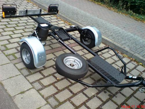 erledigt motorradanh nger lufhydraulisch absenkbar f r ein motorrad. Black Bedroom Furniture Sets. Home Design Ideas