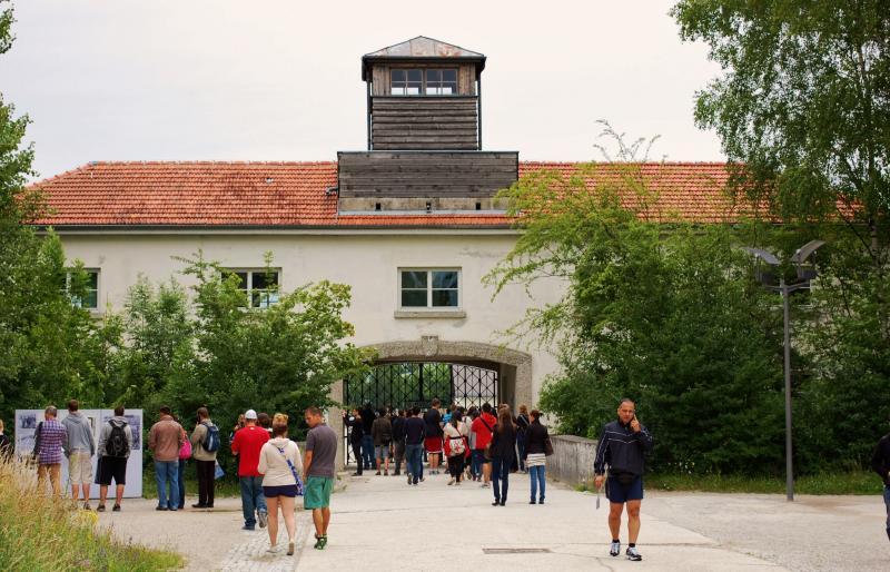 Name:  23 Eingang KZ Dachau.jpg Hits: 676 Größe:  88,3 KB