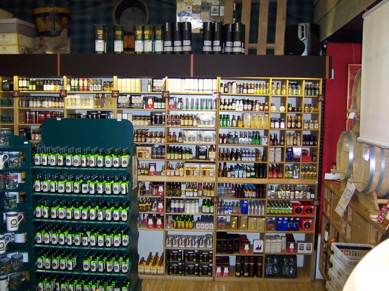 629-whiskey-store-fort-william.jpg