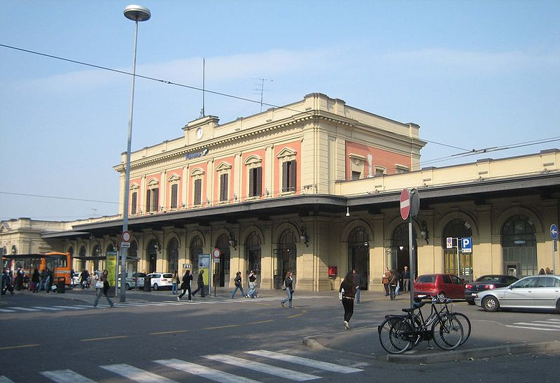 800px-parma_stazione.jpg