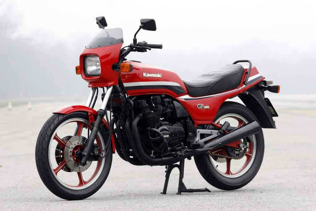 8_kawasaki-gpz-550-1984.jpg