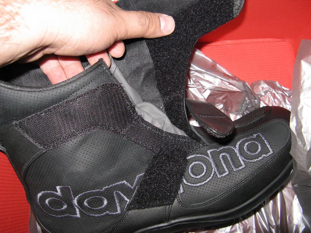 9565d1225461350-frey-daytona-shorty-boots-closure-sys.jpg
