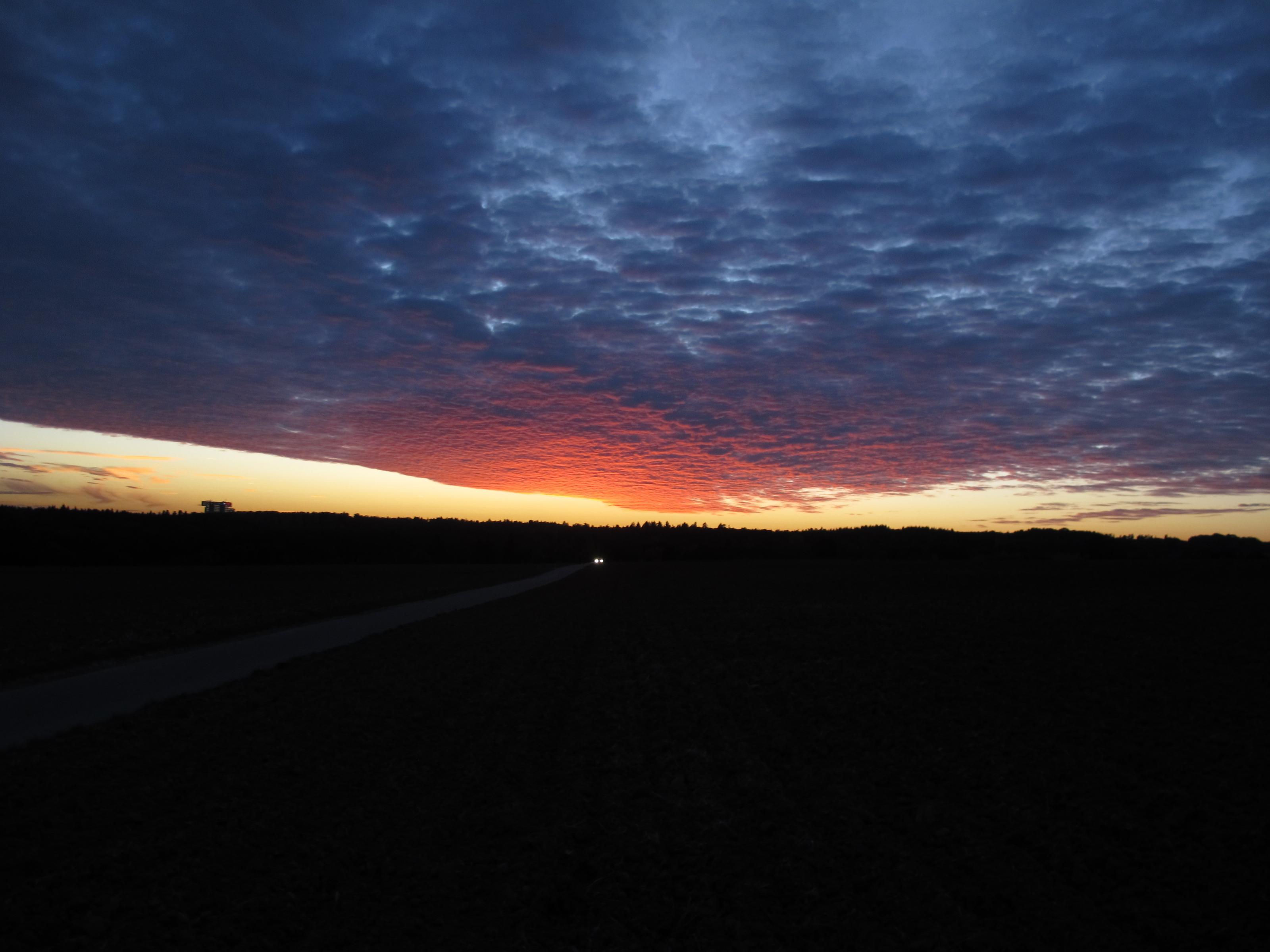 Klicke auf die Grafik für eine größere Ansicht  Name:Abendsonnenbilder 001.jpg Hits:236 Größe:353,8 KB ID:175357