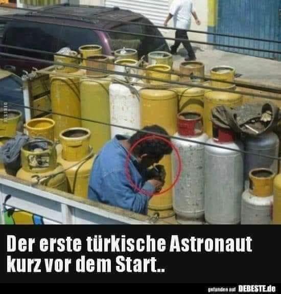 Klicke auf die Grafik für eine größere Ansicht  Name:Astronaut.jpg Hits:583 Größe:37,5 KB ID:266110