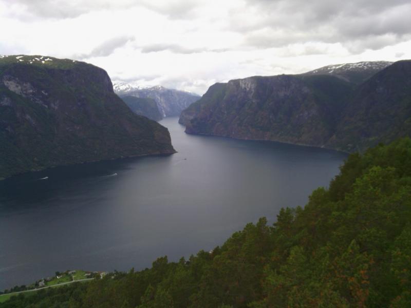 aurlandsfjord.jpg