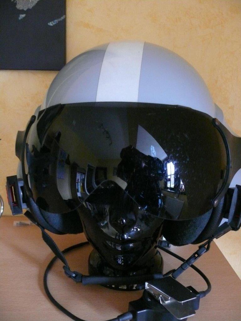 bh-pilotenhelm.jpg