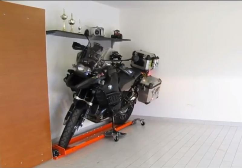 motorrad parkhilfe