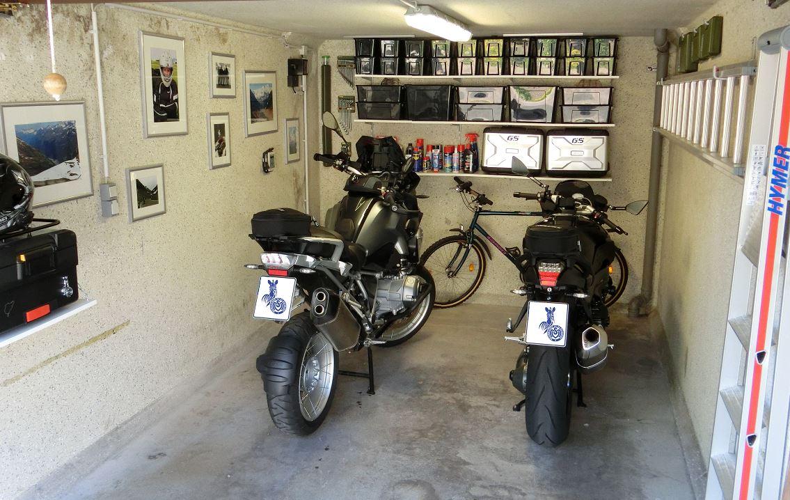 bmw-garage2.jpg