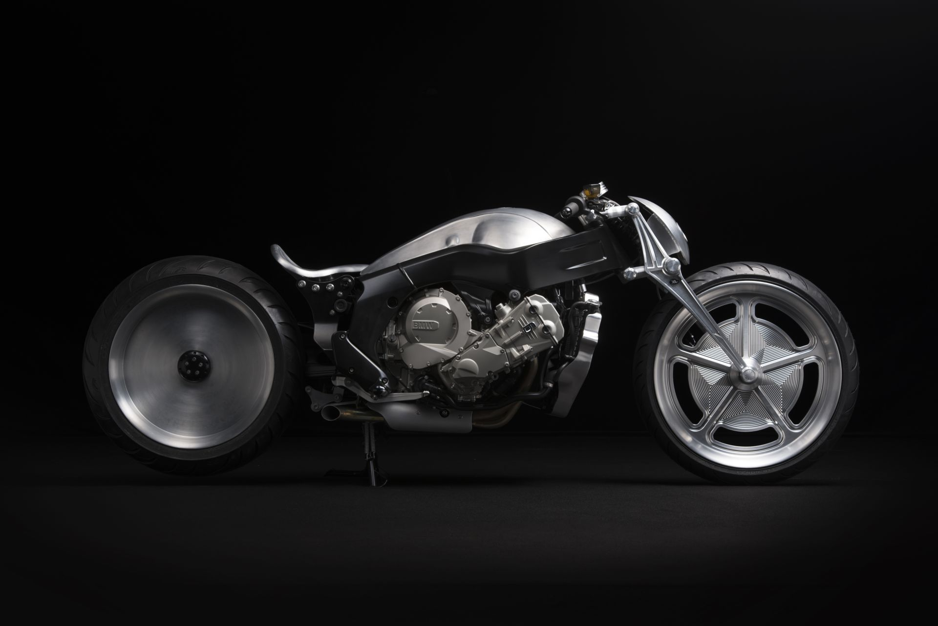 bmw-k1600gtl-becomes-kens-factory-special-evil-machine-lust-video-photo-gallery_6.jpg
