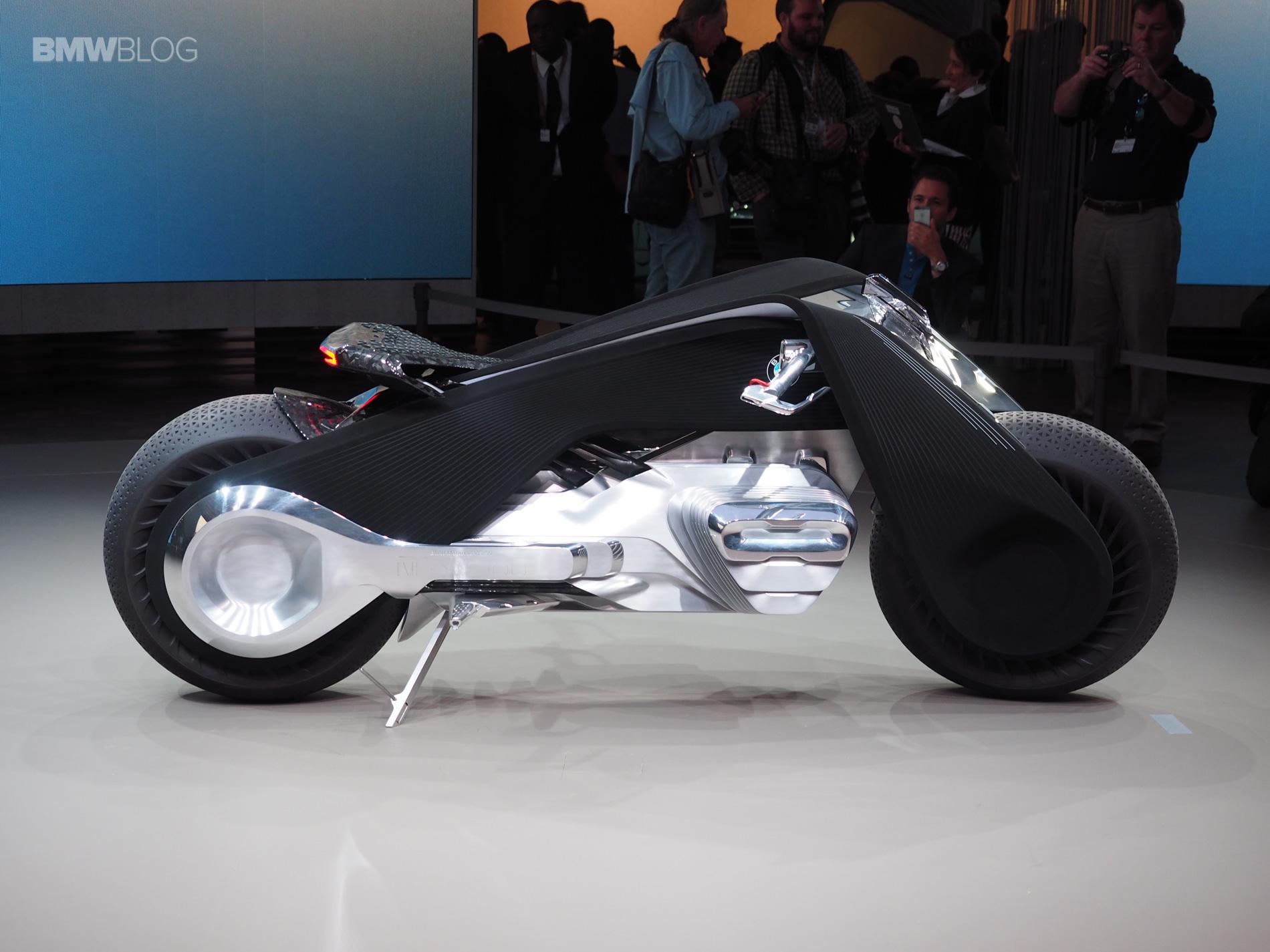 bmw-motorrad-vision-next-100-live-images-47.jpg