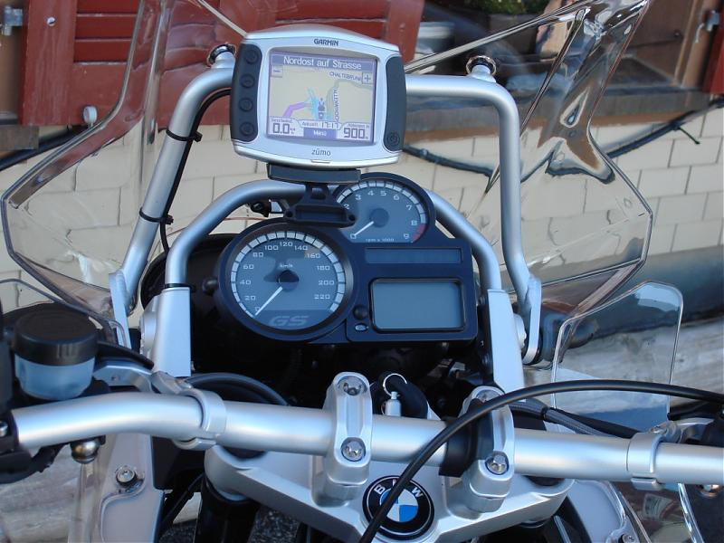 bmw-r-1200-gs-03-2008-drivedeck-small.jpg