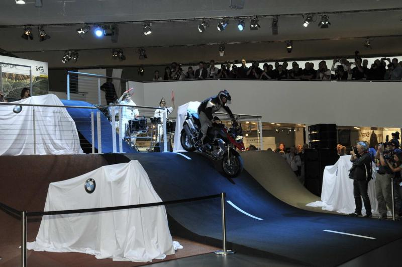 bmw-r-1200-gs-2013-conferenza-stampa-intermot-2012_4.jpg