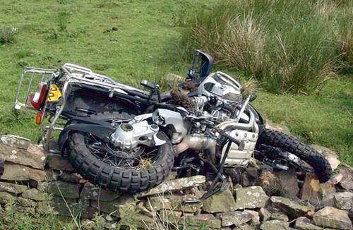 bmw-r1200gs-adv-crash.jpg
