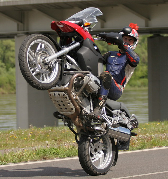 bmw-wheelie.jpg