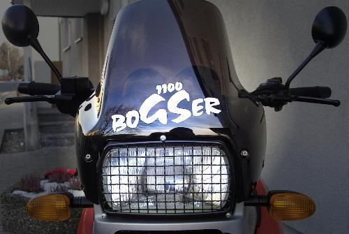 bogser_front_902.jpg