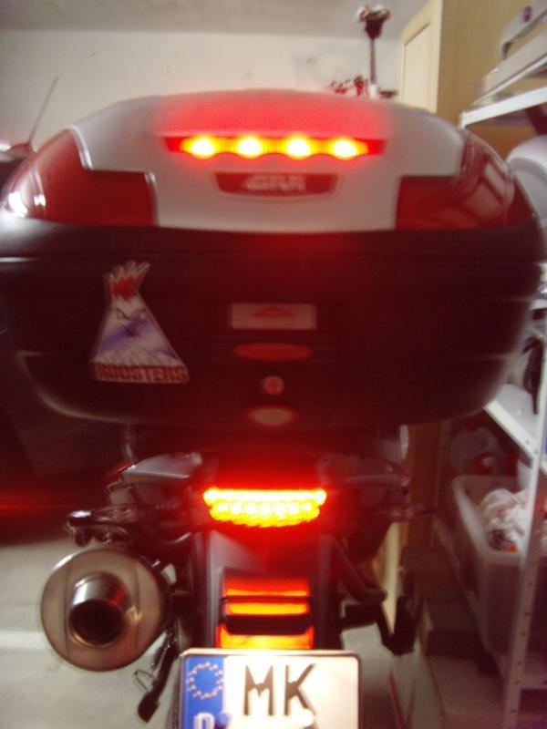 c-mit-r-ck-bremslicht.jpg