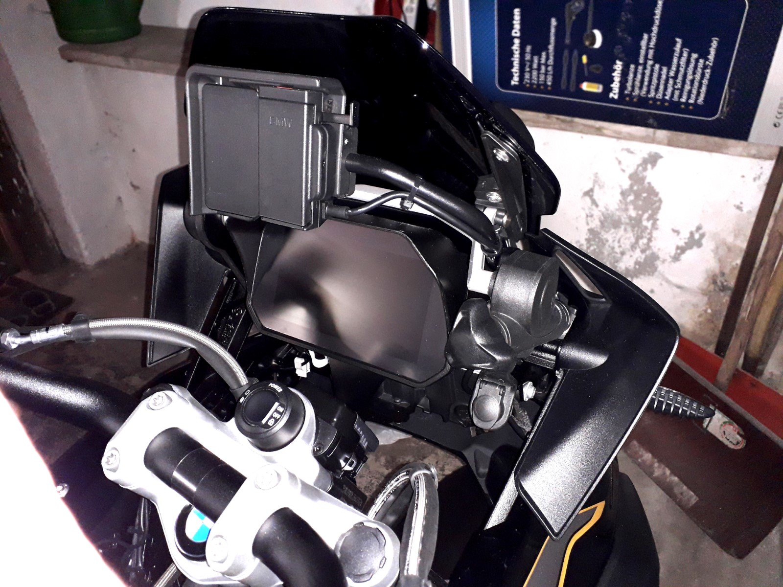 Cockpit-Blende (1).jpg