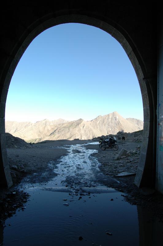 col-de-parpallion-blick-aus-tunnel.jpg