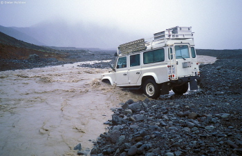 db_cis_02_16a_2000_landy_im_fluss.jpg