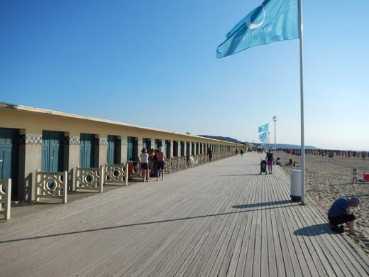 deauville-strandpromenade.jpg