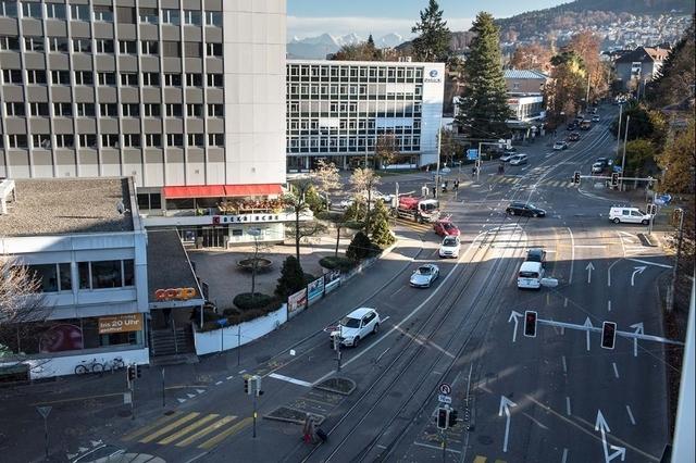 Klicke auf die Grafik für eine größere Ansicht  Name:Eigerplatz_Bern.jpg Hits:168 Größe:251,9 KB ID:193289