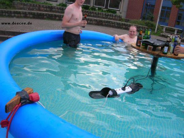 epic.strom_.pool_.fail_.jpg