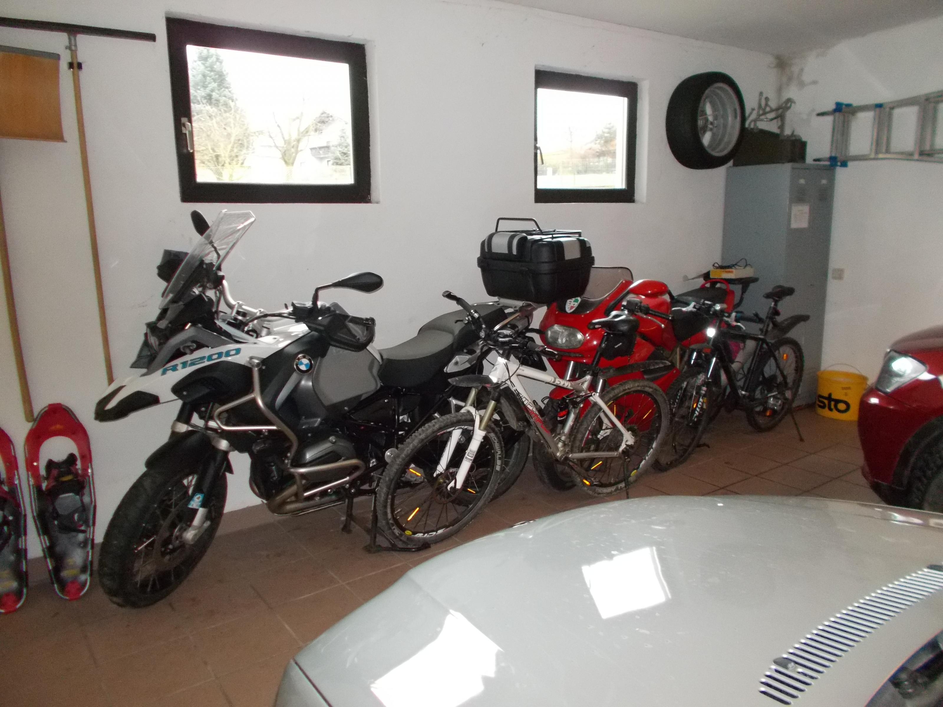 garage-002.jpg