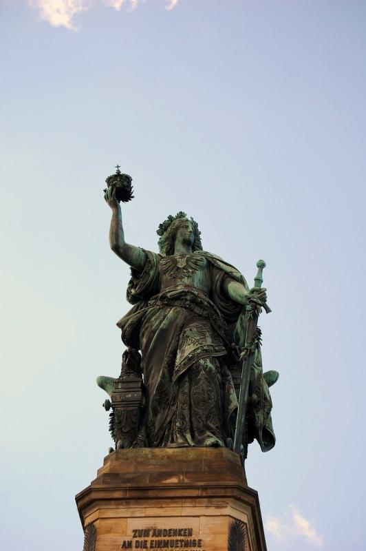 Name:  Germania auf dem Niederwald Denkmal.jpg Hits: 285 Gr��e:  34,0 KB