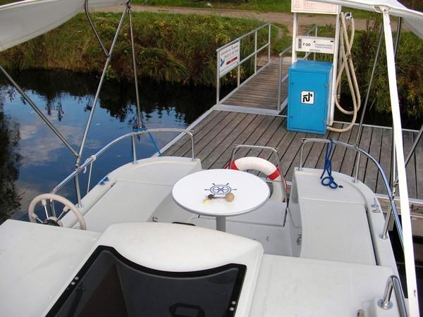 hausboot-voyager-780-860-hausboot-1069010-4112326_dia_1.jpg