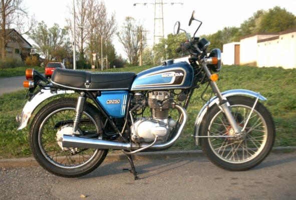 honda-cb-250-g-03.jpg