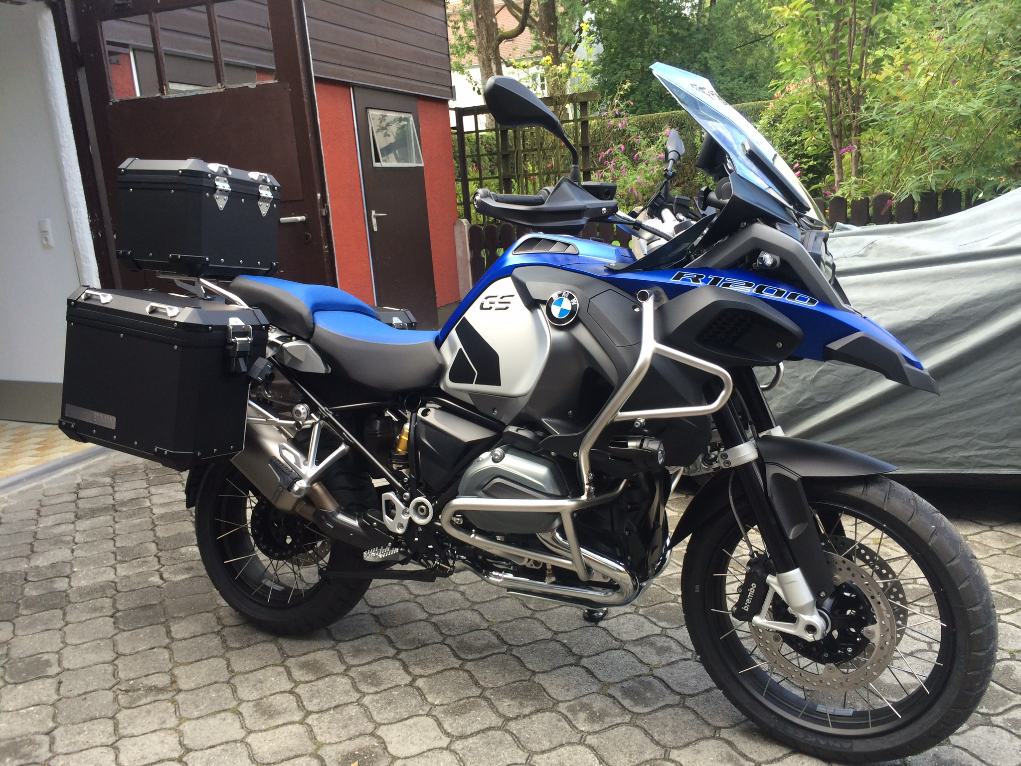 biete r 1200 gs adventure lc r1200 gs lc bmw koffer. Black Bedroom Furniture Sets. Home Design Ideas