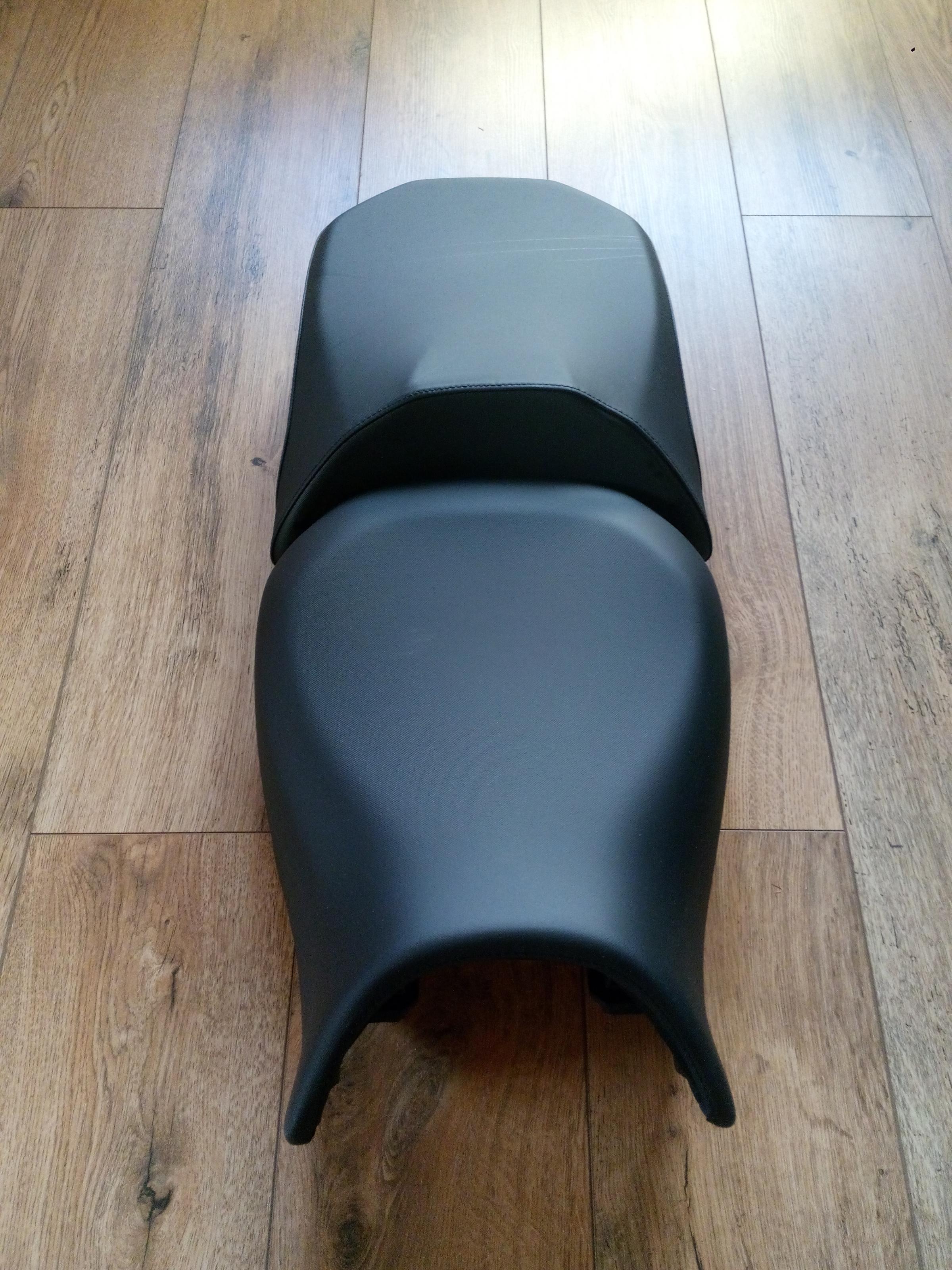 erledigt original sitzbank bmw r 1200 gs lc normale h he. Black Bedroom Furniture Sets. Home Design Ideas