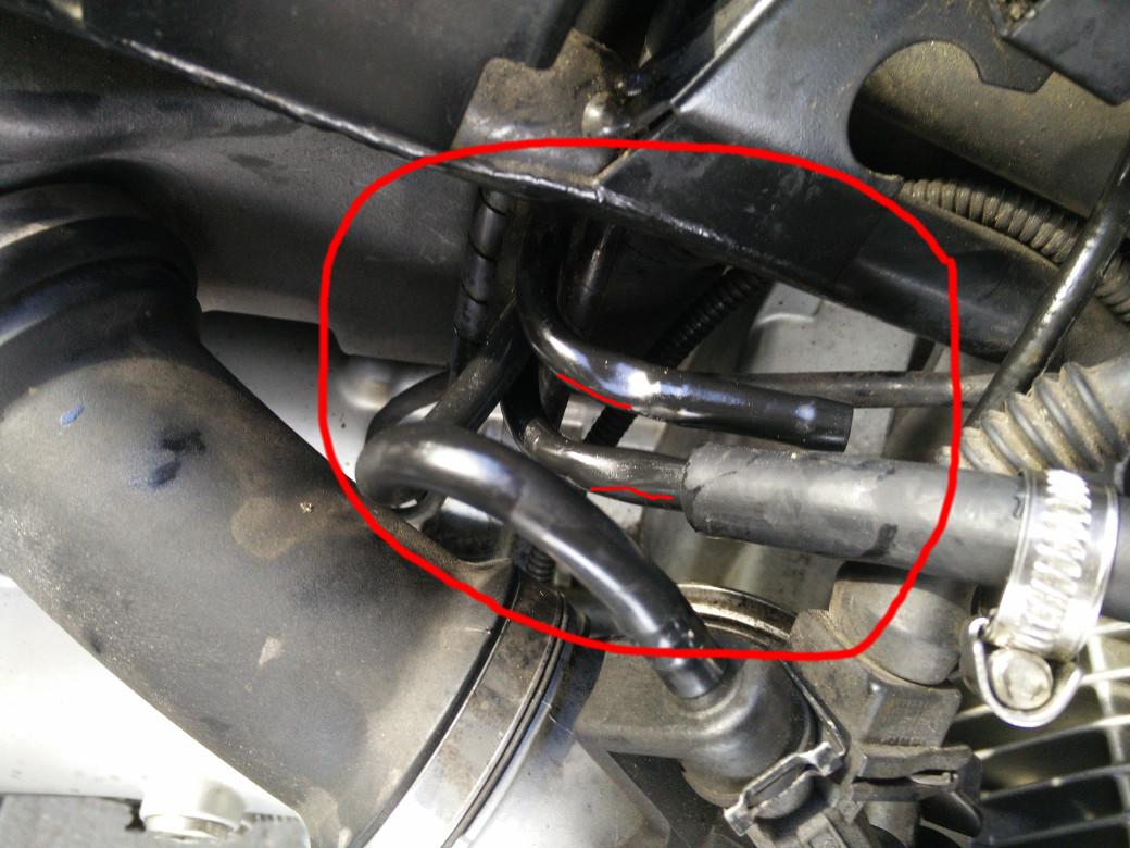 Benzinleitung zum Motor gebrochen