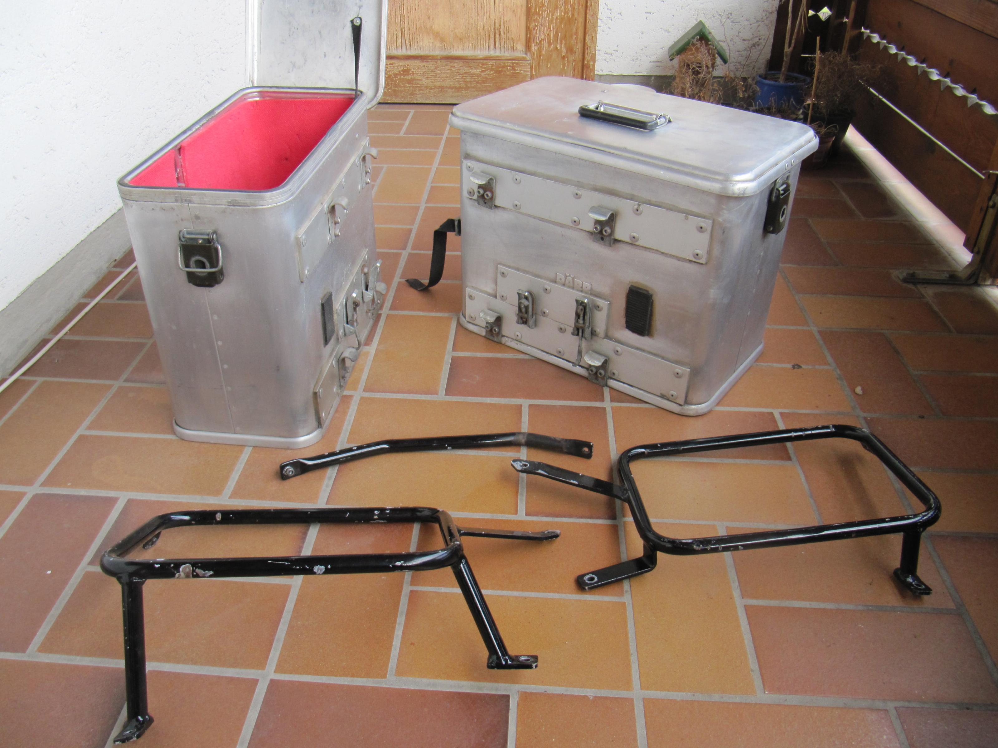 alu koffer von d rr. Black Bedroom Furniture Sets. Home Design Ideas