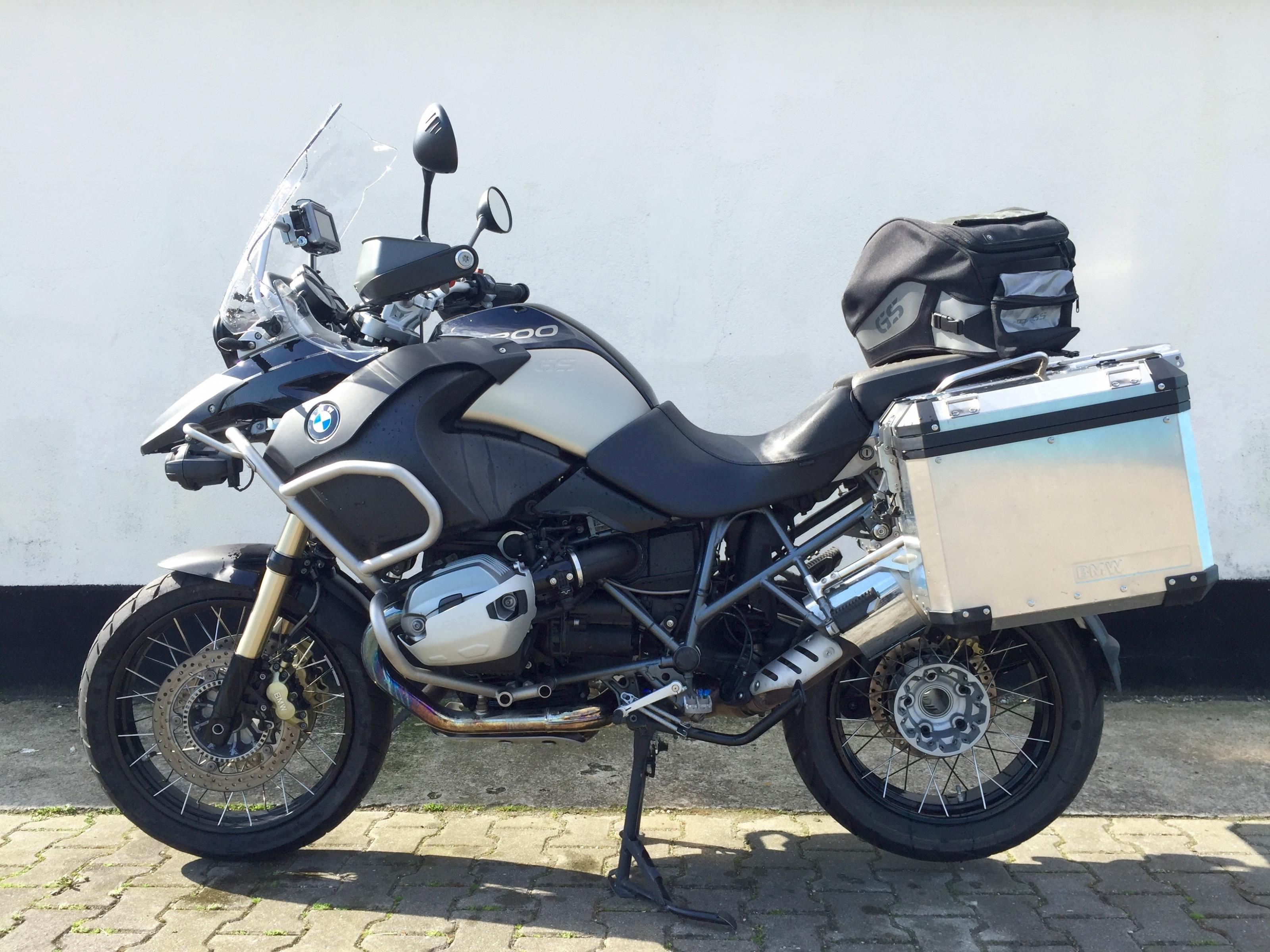 biete r 1200 gs adventure bmw r 1200 gs adventure 90j bmw 2 j garantie navi koffer. Black Bedroom Furniture Sets. Home Design Ideas