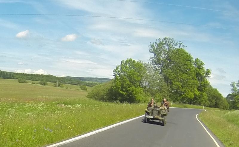 Klicke auf die Grafik f�r eine gr��ere Ansicht  Name:Jeep.jpg Hits:425 Gr��e:50,0 KB ID:102585