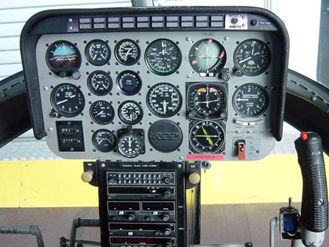 jetranger_cockpit_instrumente_640_480.jpg