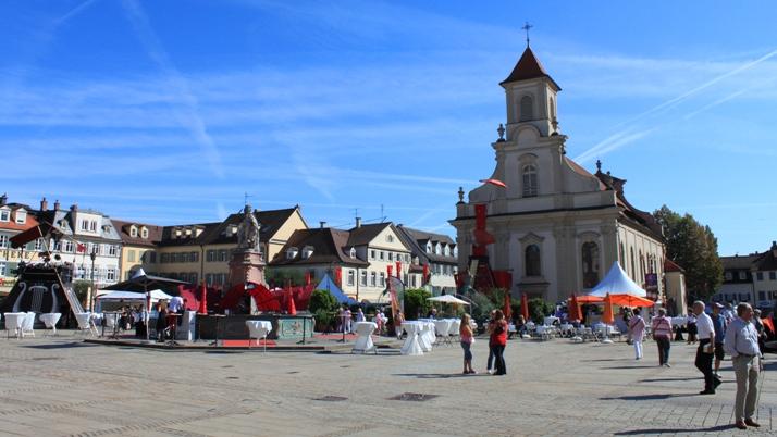 Klicke auf die Grafik f�r eine gr��ere Ansicht  Name:marktplatz_ludwigsburg.jpg Hits:40 Gr��e:183,7 KB ID:169796