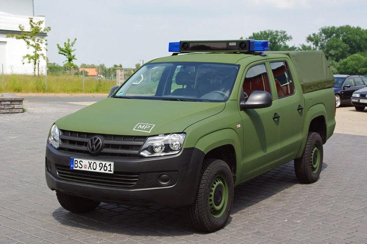 militaer-amarok-729x486-6a84fd8b2431df2d.jpg