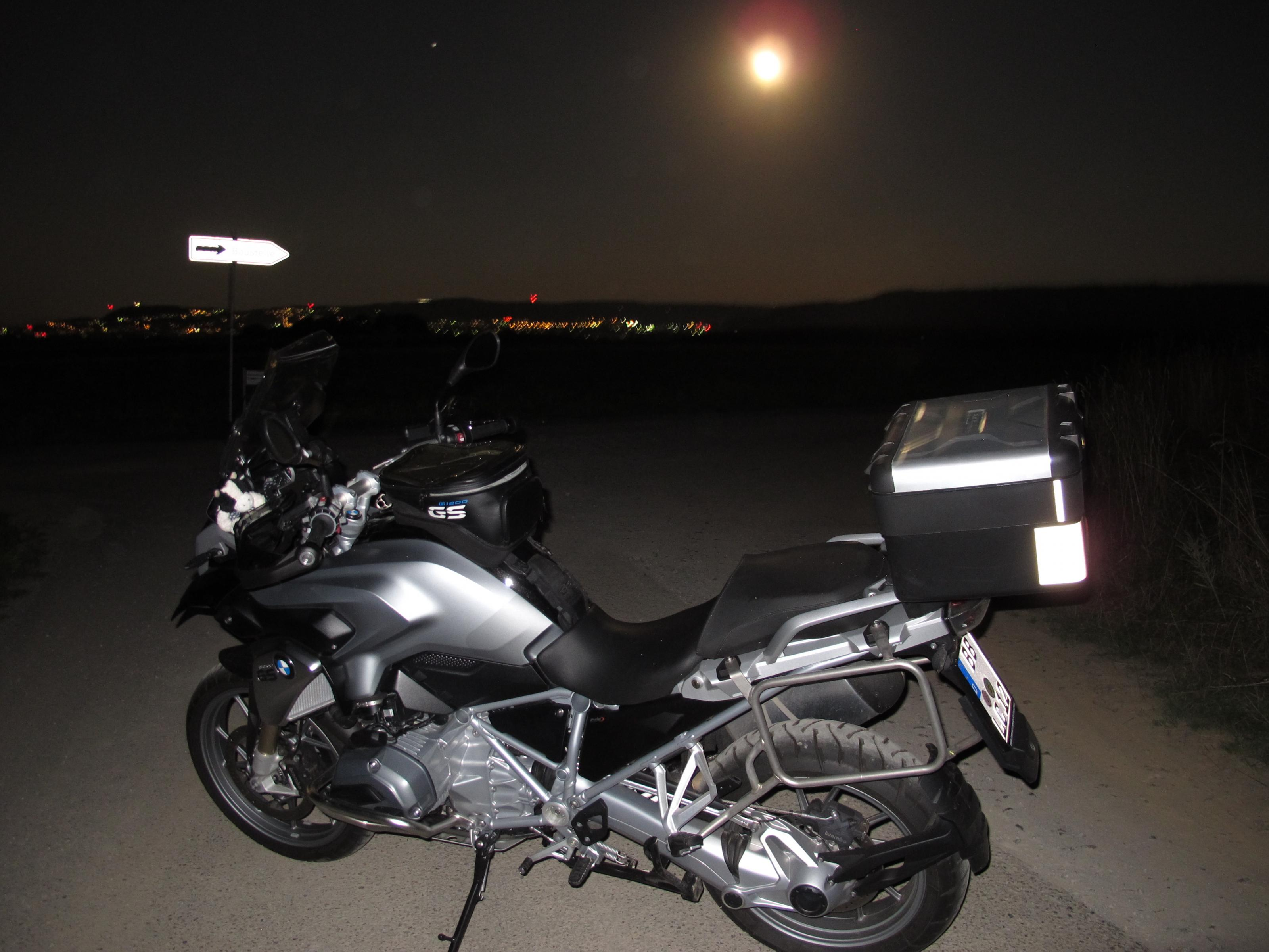 Klicke auf die Grafik für eine größere Ansicht  Name:Mond 011.jpg Hits:281 Größe:527,3 KB ID:172826