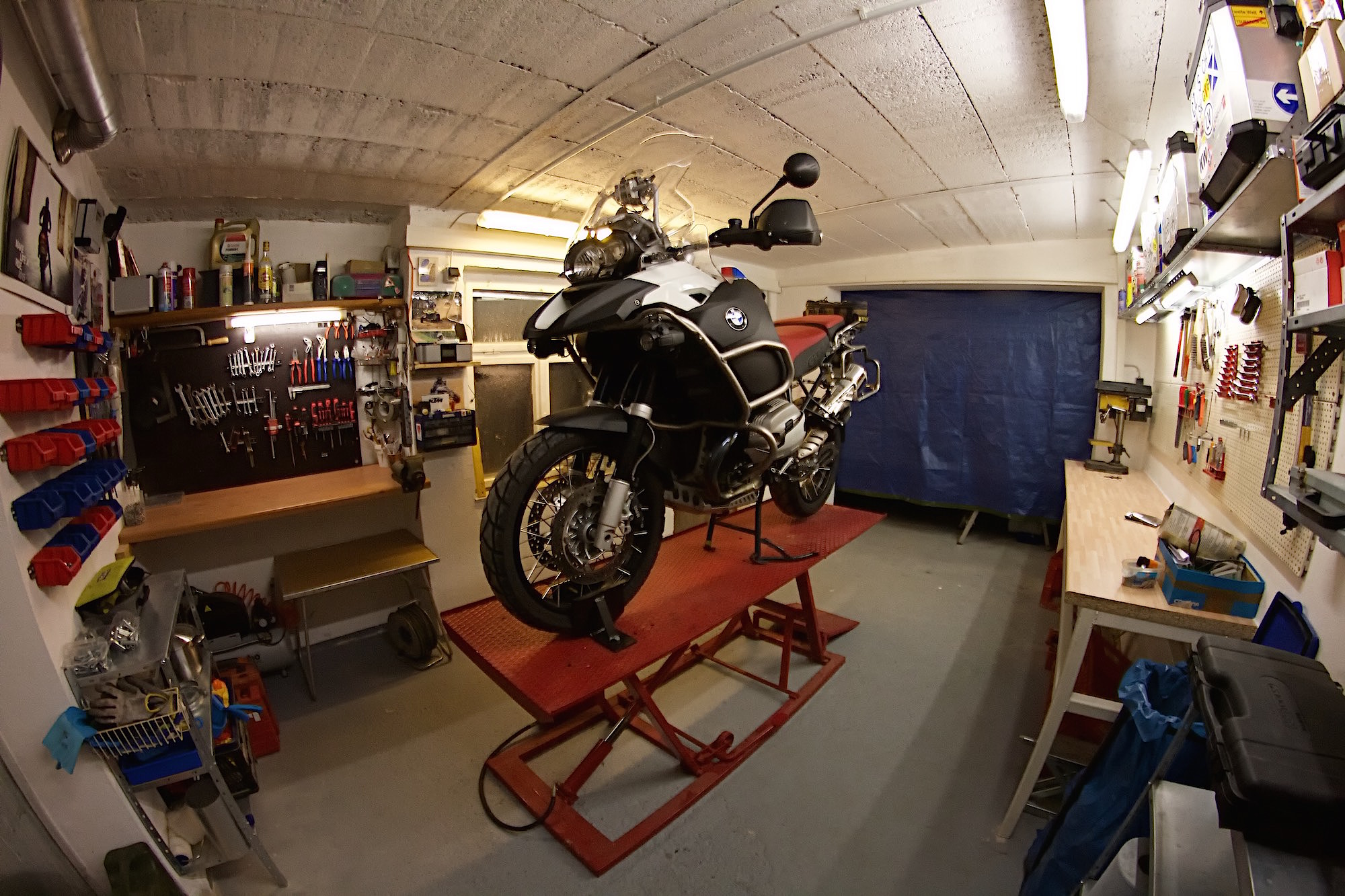moped-garage-2.jpg