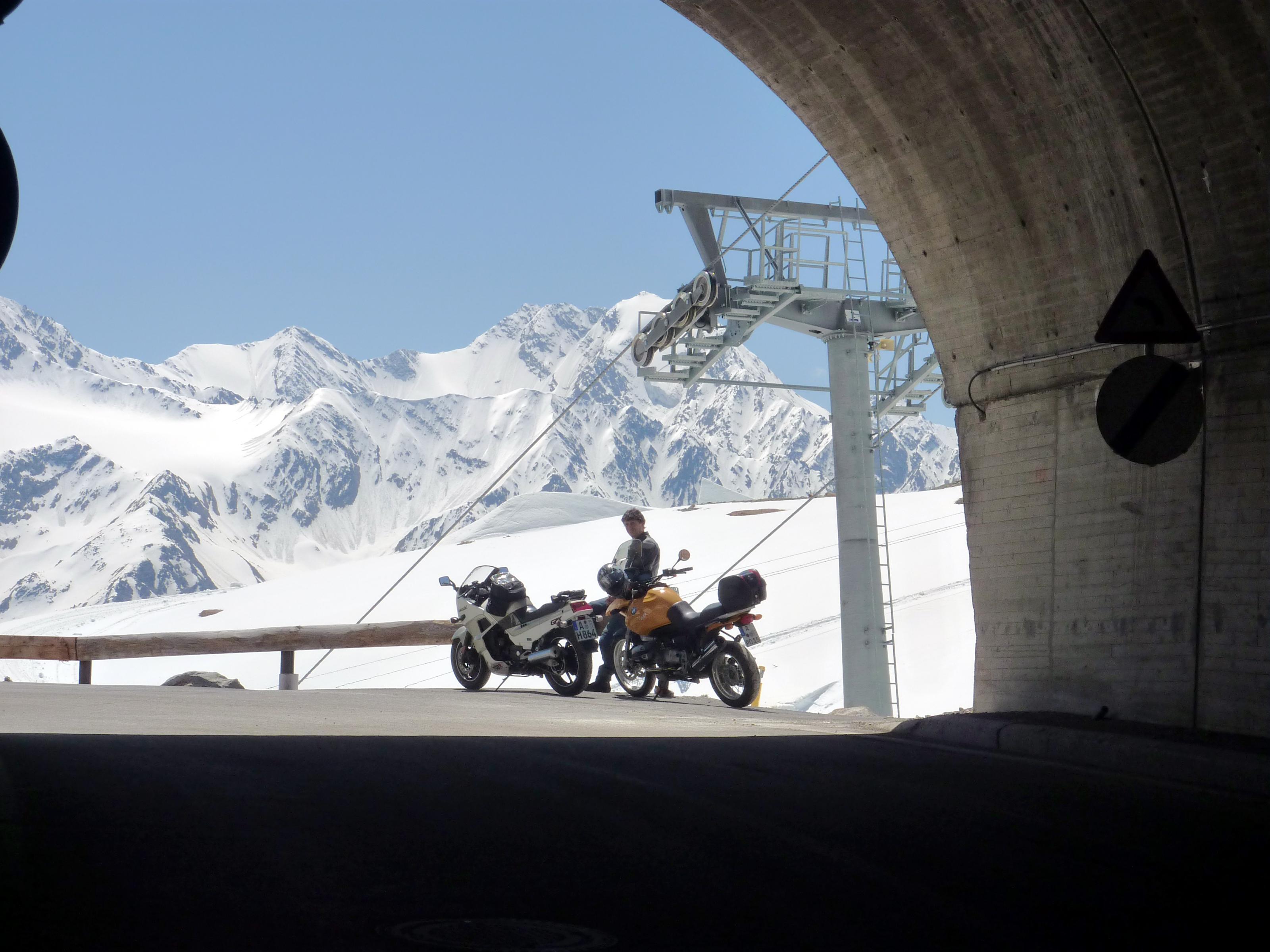 motorradtour-tiefenbachferner-juni-2014-33-.jpg